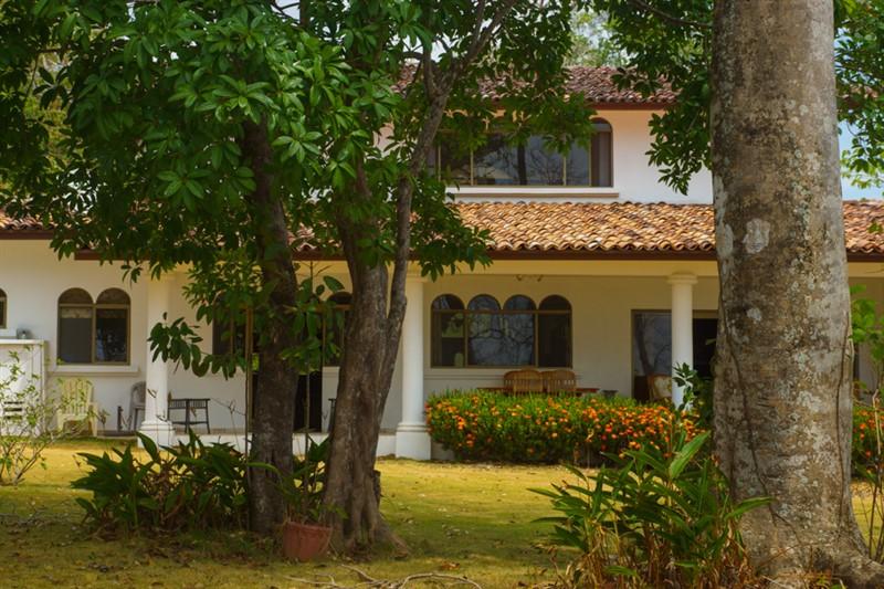 sel-med-54 Panama Plantation Houses on