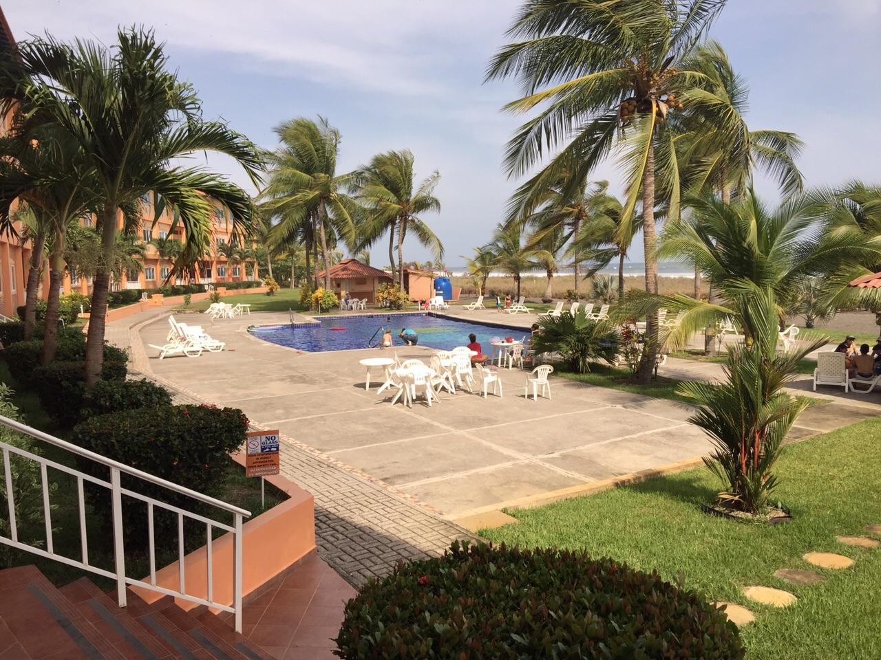 Las olas resort oceanfront condominium for sale in la for Boquete piscina