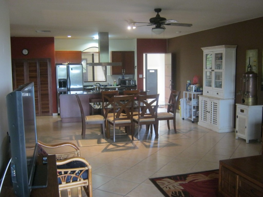 Los Molinos Boquete Large Condominium For Sale With Furnishings And A  Garage Included   Great Value!   Boquete Panama Real Estate, Property,  Houses For Sale ...