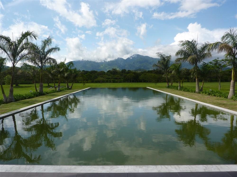 P1050714 1 boquete panama real estate property houses for Boquete piscina