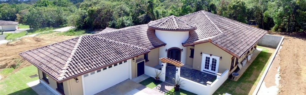 Luxury House For Sale In Boqueteu0027s Prime 18 Hole Golf Course Community    Lucero Homes U0026 Golf   Boquete Panama Real Estate, Property, Houses For Sale  U2013 Casa ...