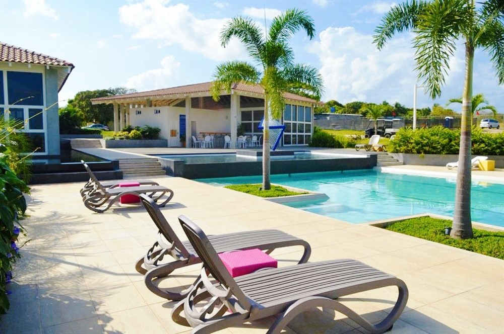 Ocean view condominium for sale in las islas punta barco for Boquete piscina